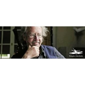 """O austríaco Peter Handke recebe o Nobel por sua """"engenhosidade linguística"""""""